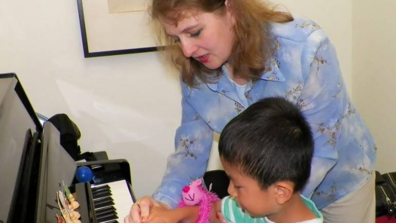Why The First Piano Teacher Is Very Important?